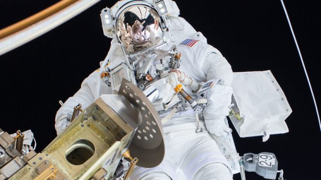 How NASA uses social to teach the world about space
