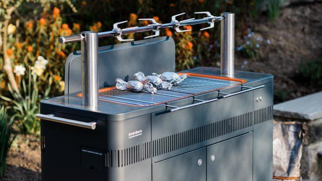 The Hub BBQ Everdure by Heston Blumenthal Review