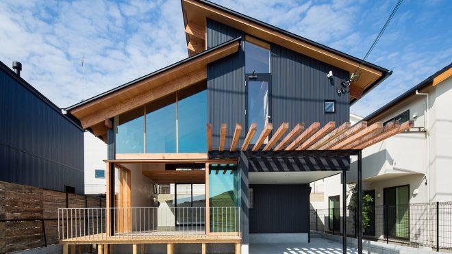 House in Tarumi / Yo Irie Architects