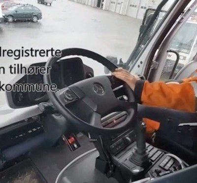 This Mercedes Truck Lets You Slide the Steering Wheel and Pedals From One Side to the Other - Core77
