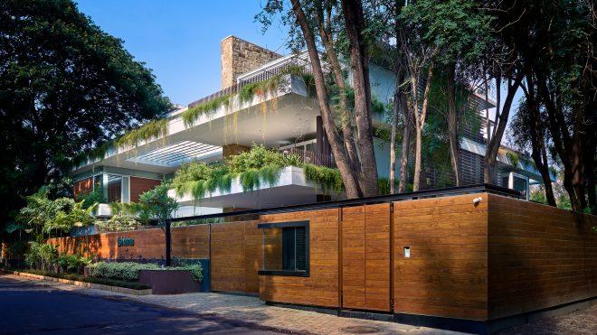 The Hovering Gardens House / Niraj Doshi Design Consultancy