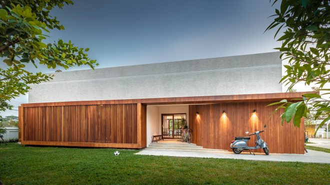 Jaipan House / Onhill Design & Construction